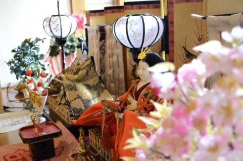 ひな祭りの飾り方の注意点-桃の花-