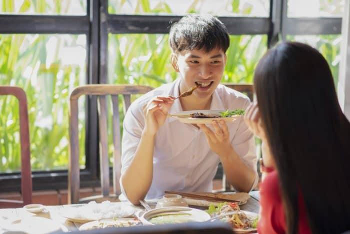 既婚者が二人で食事に行く理由とは・・・!
