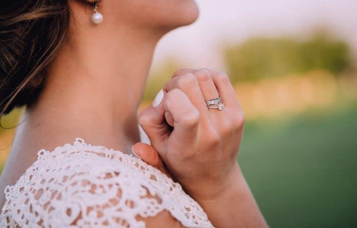 なぜ彼が婚約指輪をくれないのか